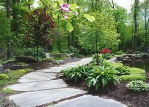 naturnaher garten walkways and garden path corner