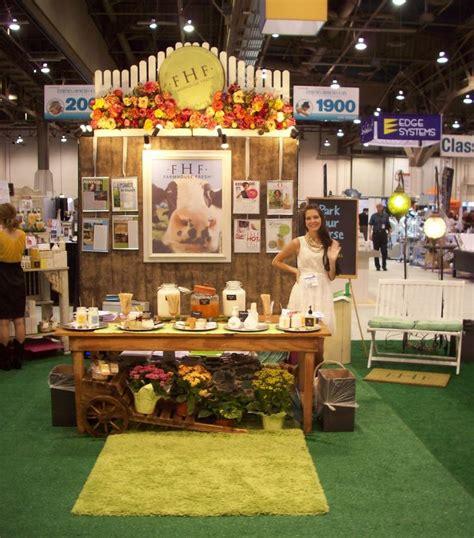 farm house fresh we love the farmhouse fresh line look how cute their trade show booth is