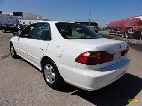taffeta white 1998 honda accord ex v6 sedan exterior photo