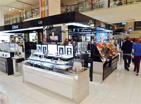 Makeup Shop parfums christian