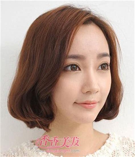 hair cut in seoul 2016女士时尚职业短发发型图片 职业女性短发烫发发型 3
