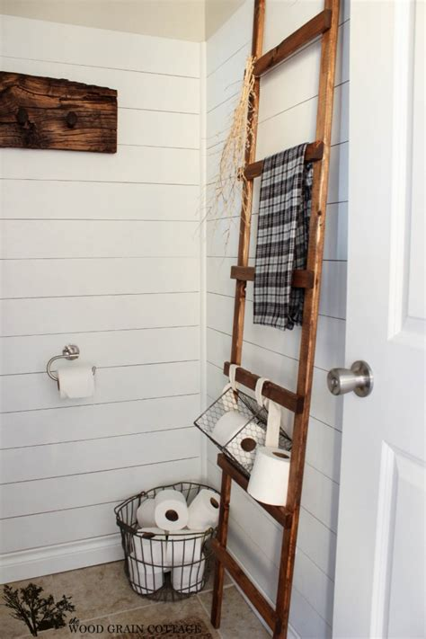 2013 bathroom decorating ideas from buzzfeed diy how to make a ladder the wood grain cottage
