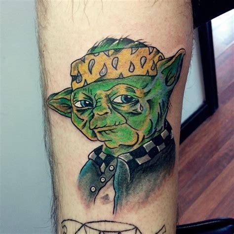 cartoon yoda tattoo cool comic books yoda portrait tattoo on leg zone