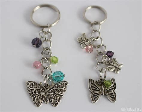 How To Make Handmade Keychains - butterfly beaded keychain and 16 more easter projects