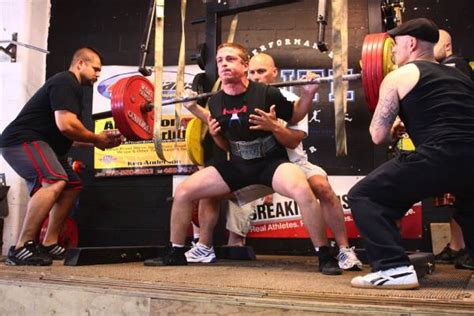 how to spot a bench press 5 spotting techniques and rules everyone must know