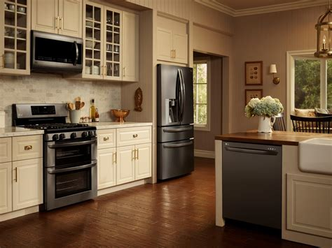 Black Kitchen Cabinets With Stainless Steel Appliances The Key To Classic Is Keeping It Simple A Neutral Palette Accents And Lg S Black
