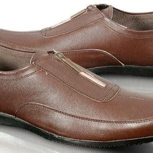 Sepatu Pria Kulit Asli Casual Tread Cokelat sepatu casual pria kulit cokelat ghi1452