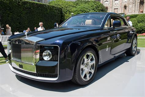 roll royce carro rolls royce sweptail brings ultra luxe coach building into