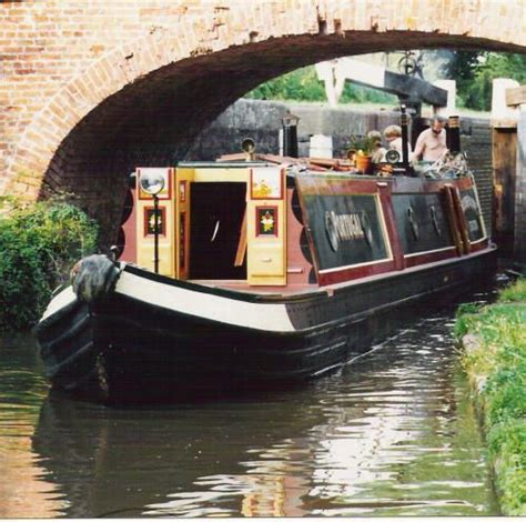 canal boat house canal narrow boats the