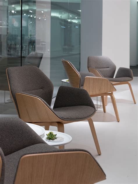 design house furniture davis ca ginkgo lounge low back chairs from davis furniture neocon2016 chairs 椅子 单人沙发