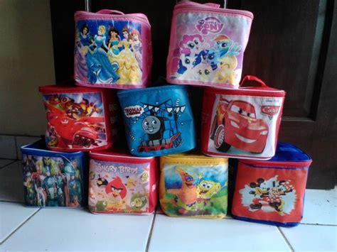 Souvenir Tas Sablon jual tas souvenir ultah anak goodie bag tas kubus sablon
