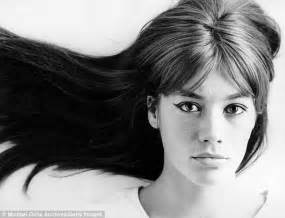francoise hardy most famous songs francoise hardy on pinterest style icons singers and bangs