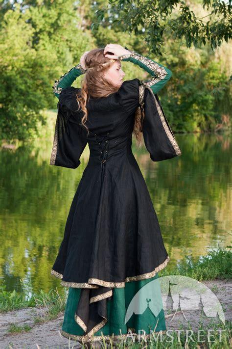Simple Renaissance Dress