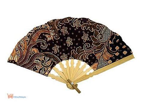Kipas Tangan Lishihu les 187 meilleures images du tableau 201 ventails fans sur 201 ventails ombrelle et peignes