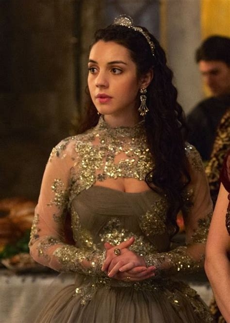 reign hair adelaide kane as mary queen of scots in reign tv series