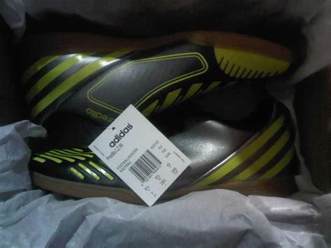 Sepatu Bola Adidas Questra Ori dijual sepatu futsal adidas ori iasport