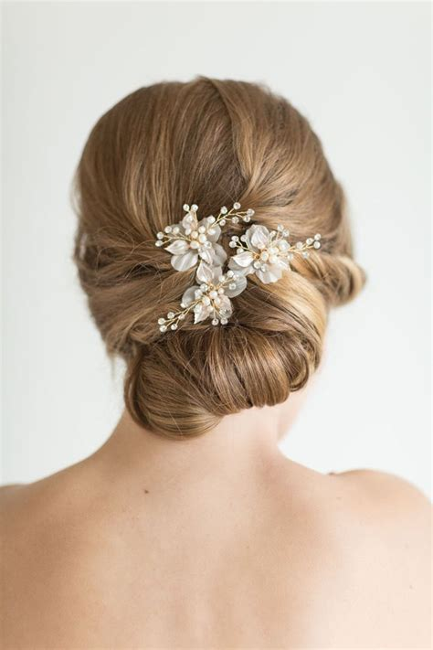 Best 25  Bridal hair pins ideas on Pinterest   Wedding