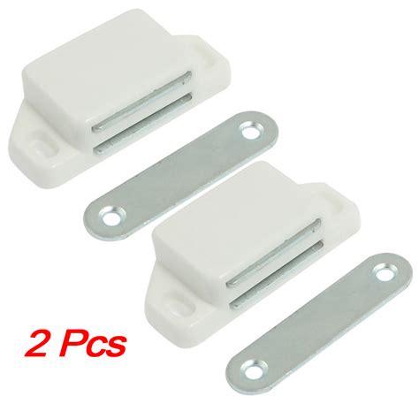 schrank magnetverschluss 2 st 252 ck schrankt 252 r weiss magnetverschluss riegel de ebay