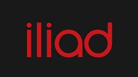 iliad il logo delloperatore compare nello spot  apple iphone xr