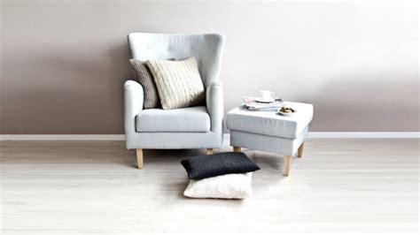 poltrone legno poltrone in legno arredare il soggiorno con stile