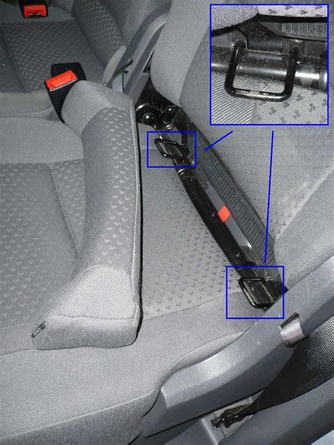 si鑒e auto syst鑪e isofix th 232 me 2 l installation dans le v 233 hicule la ceinture de