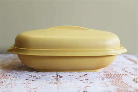 Tupperware Snack It Gold vintage tupperware steamer dish in harvest gold microwave safe