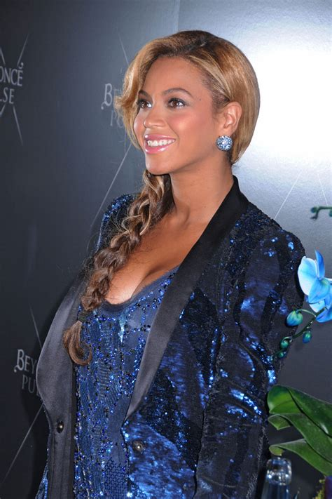 Beyonces New by Beyonce Knowles In Beyonce Debuts A New Fragrance In Nyc