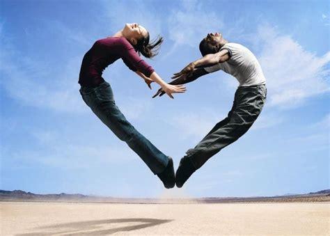 imagenes de yoga en pareja faciles beneficios de practicar yoga en pareja punto fape