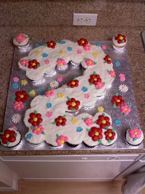 Are Pull Apart Cakes Really Cupcakes by Happy 2nd Birthday Pull Apart Cupcakes Cakes Cakecentral