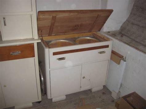 alte kredenz alte kredenz waschtisch massivholzkasten keramikk 252 chenuhr