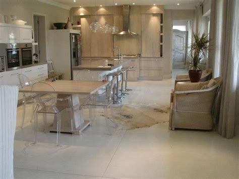 www.cemente.co.za   Stone coloured concrete floors