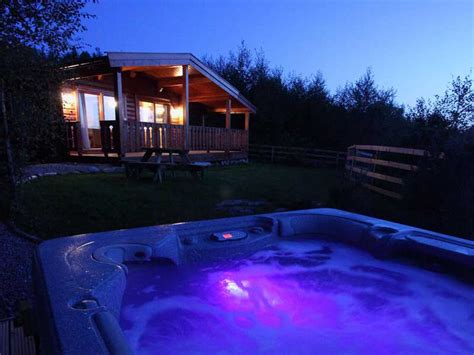 Late Deals On Log Cabins With Tubs by Forest Nook Lodge Home Page
