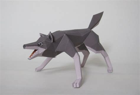 How To Make A Paper Wolf - animal papercraft wolf papercraft paradise