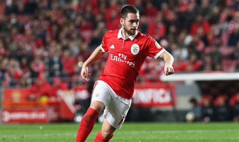 arsenal new scout arsenal news live updates scouts watch benfica star