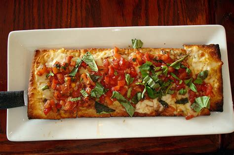 10 flatbread recipes for family dinners