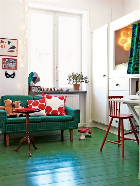 daring red  green interior decor ideas digsdigs