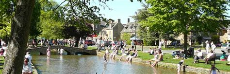 Cabin Ideas Self Catering Country Cottages In Bourton On The Water