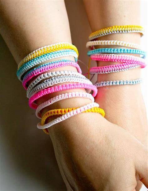 how to knit a friendship bracelet molly s sketchbook breezy friendship bracelets purl