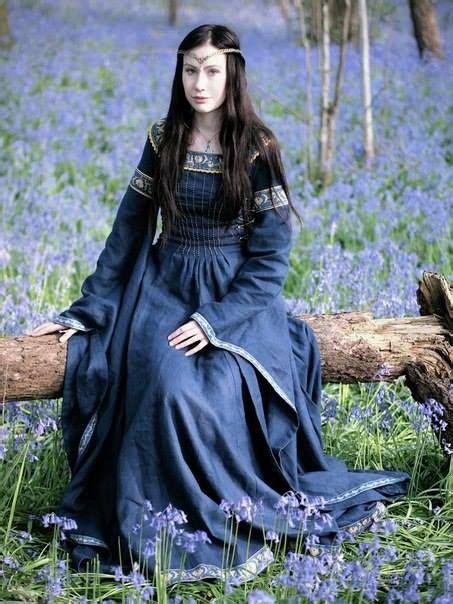 film fantasy medievale robe m 233 di 233 vale 171 dame du lac 187 en lin bleu de minuit