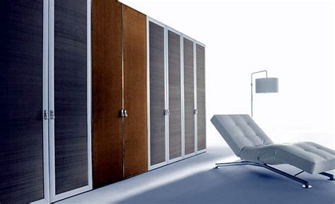 Wardrobe Configuration by Configure Stylish Wardrobe For The Bedroom Itself