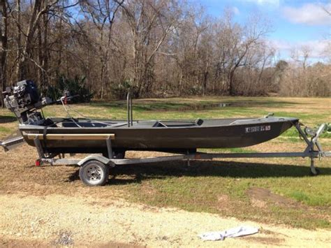 round boat hull 2006 go devil hull round chine bottom duck boat for sale