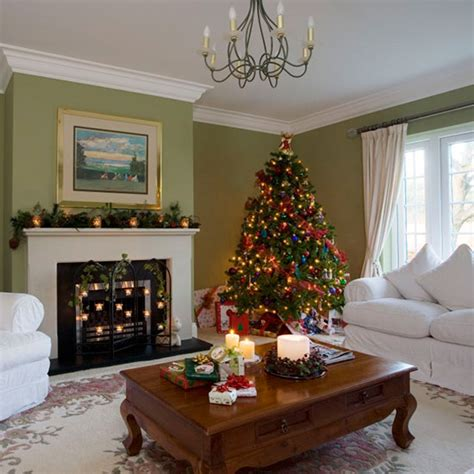 delightful Pictures Of Homes Decorated For Christmas On The Inside #2: Green-festive-living-room.jpg