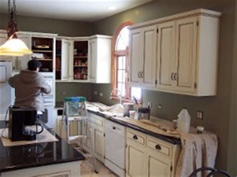 wheaton kitchen cabinets wheaton kitchen cabinet refacing cabinet refininshing