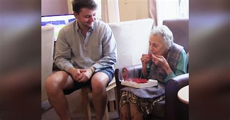college student invents jelly drops  dementia patients inspiremore