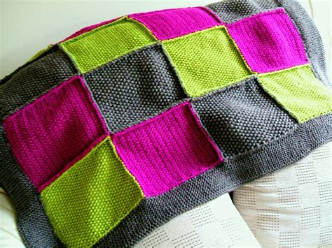 Knitted Patchwork Throw Pattern - 5 knit afghan patterns for beginners
