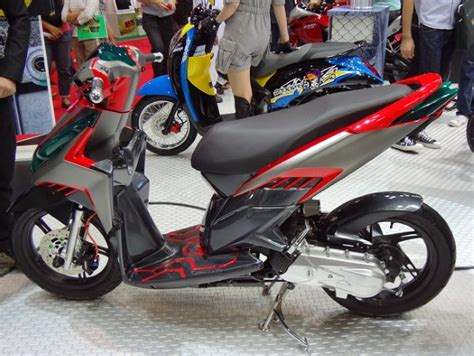 Terbaru Stiker Striping Honda Beat Hamtaro Spec B scoopy modifikasi sporty newhairstylesformen2014