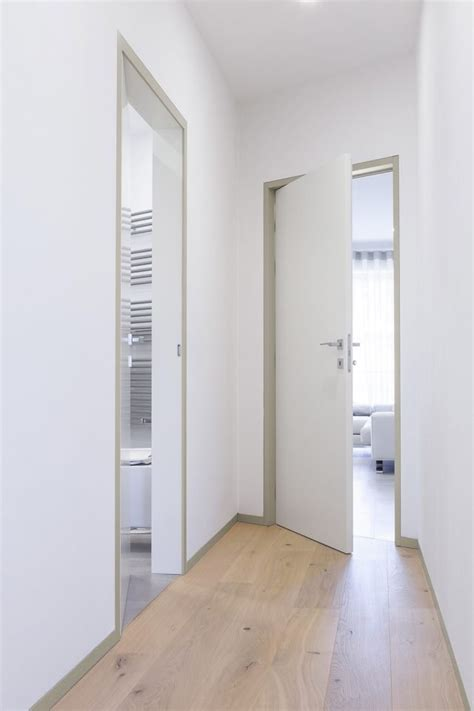 coprifili porte interne porte come elementi d arredo anche in contrasto con lo