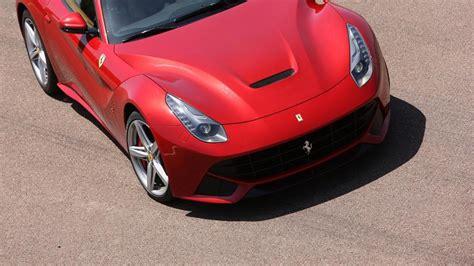 Der Schnellste Ferrari by R 246 Hrender Zw 246 Lfzylinder Der F12 Ist Der Schnellste