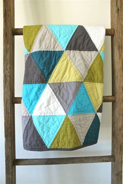 pattern for triangle baby quilt craftyblossom aqua and olive a pyramids baby quilt