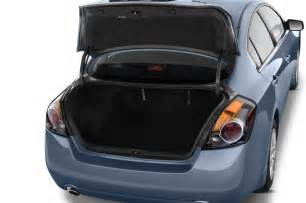 2012 Nissan Altima Trunk Dimensions 2012 Nissan Altima Reviews And Rating Motor Trend